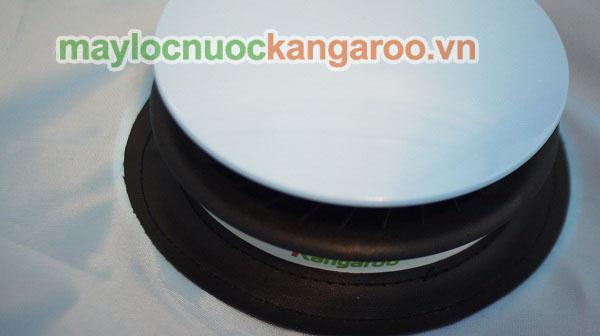 Quạt sấy của Máy sấy KG326 có logo Kangaroo